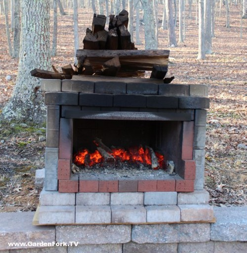 how to make a small brick pizza oven
