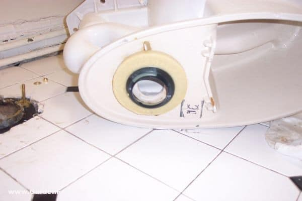 Toilet-Repair-how-to-replace-a-broken-flange-6