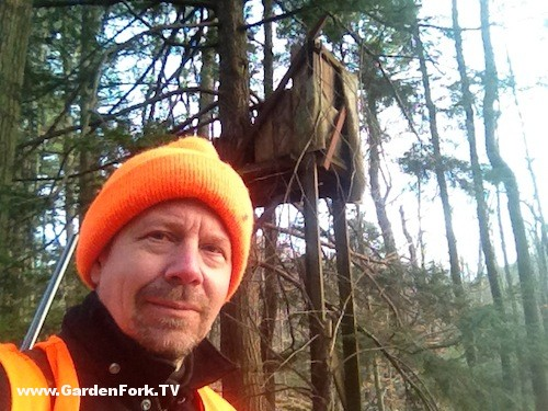 sitting-in-a-diy-deer-stand-4